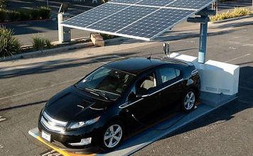naplememes autó töltő